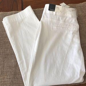 NWT Ann Taylor LOFT White Capris Size 4